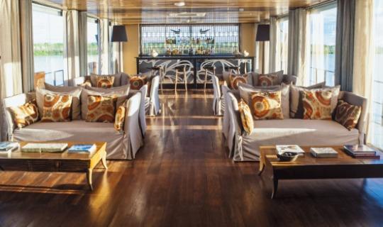 Lounge auf dem Fluss