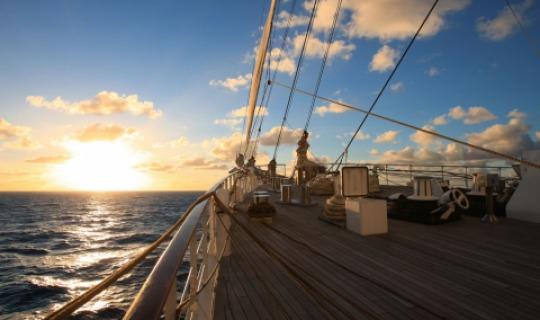 Erleben Sie den hervorragenden Sonnenuntergang
