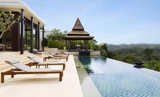 Entspannen am Infinity-Pool mit Blick auf die traumhafte Landschaft