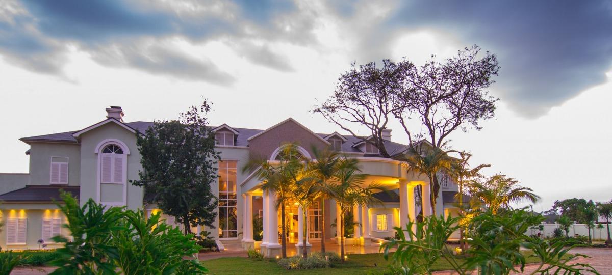 Willkommen im Hemingways Nairobi