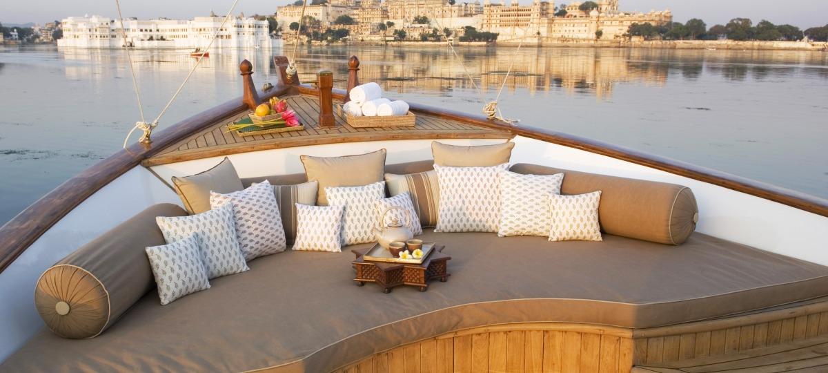 Genießen Sie einen privaten Cruise rund um den schwimmenden Palast