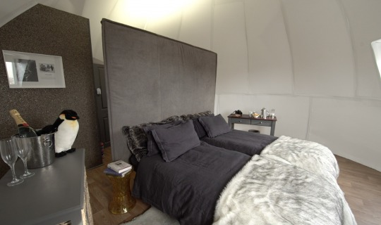 Inside-the-sleeping-pod-2.jpg