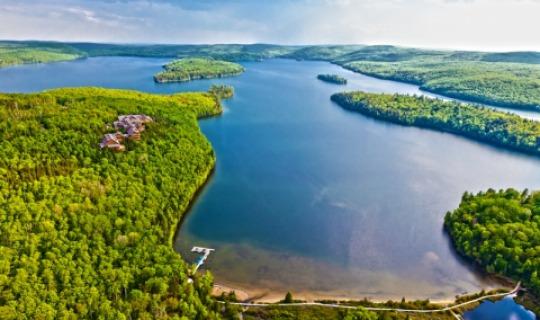 Malerische Landschaft am Sacaomie See