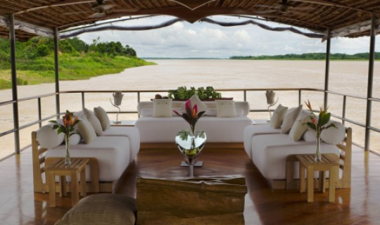 """Die """"Delfin I"""" auf dem Amazon Fluss"""