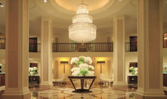 Stilvolle Lobby im Beverly Wilshire