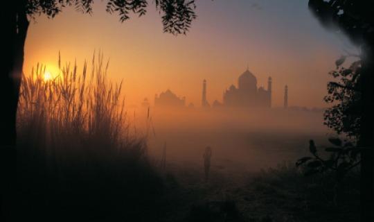 Besuchen Sie das einzigartige, bezaubernde Taj Mahal